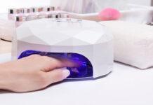 Lampka LED do paznokci czy lampka UV